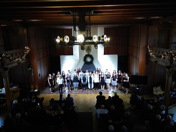 Rocket Choir Performance at the Walderhaus